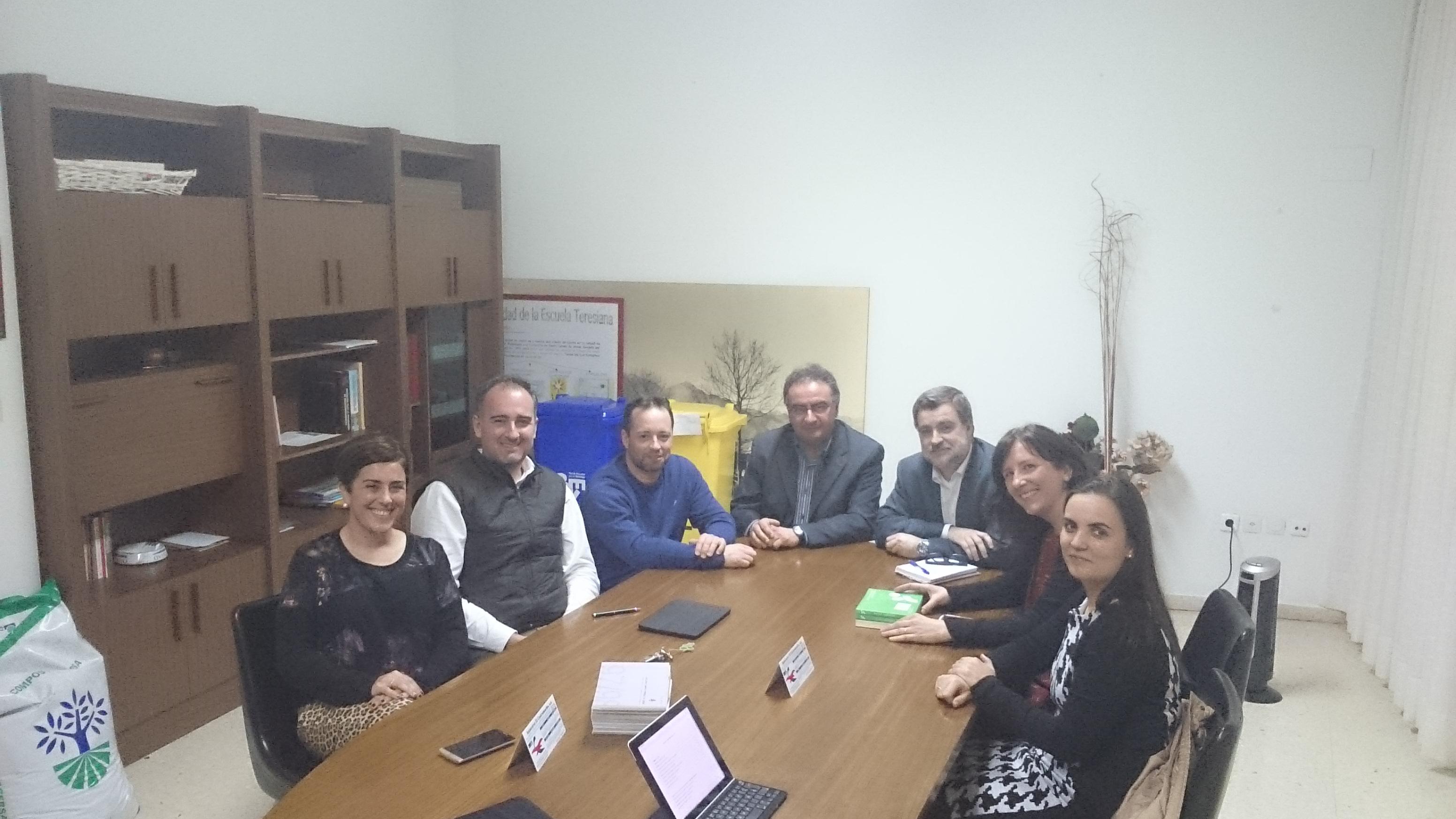 Reunión de la Junta Directiva con el Director del colegio